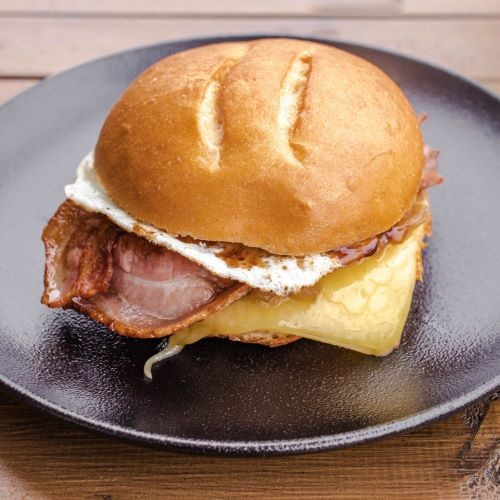 Bacon Egg Roll w Cheese
