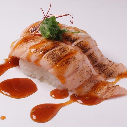 Aburi Spicy Salmon Nigiri (Spicy)